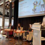 Dennis Berger moderiert die Expertendiskussion Kindheit mit Lücke
